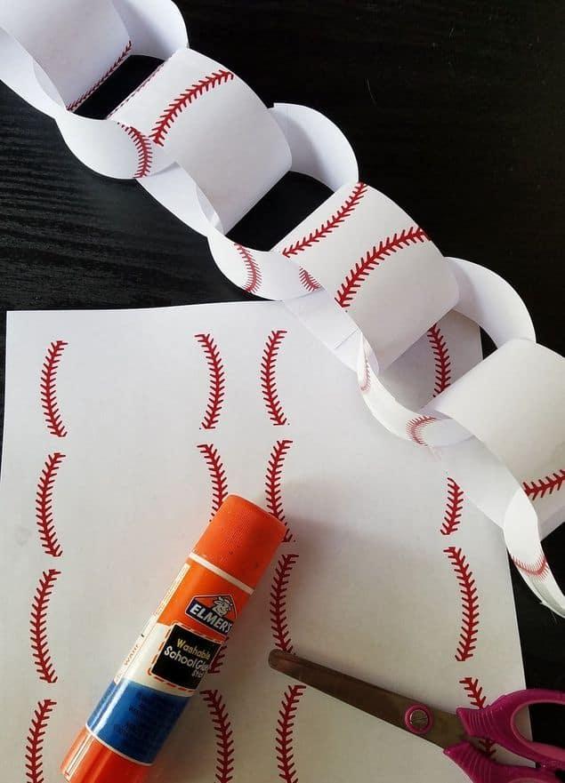 Baseball Chain Banner Decoration
