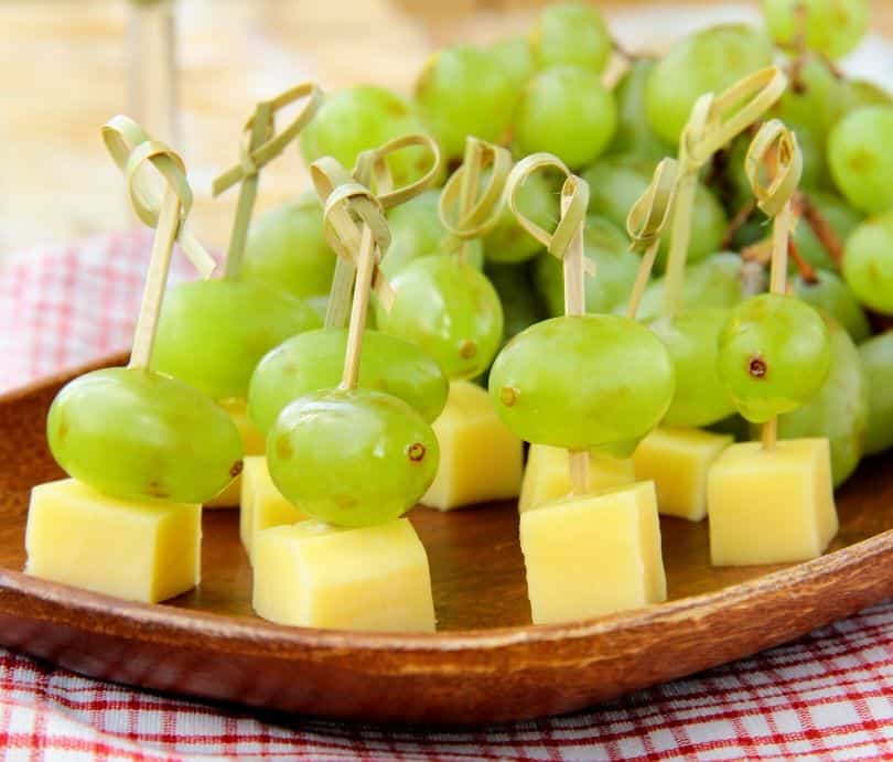 Green party food - grrape skewers