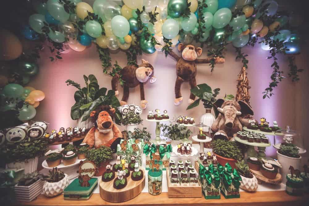 Jungle party table