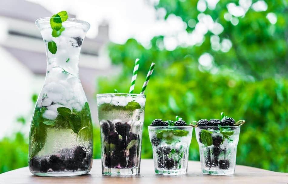 black party drink ideas